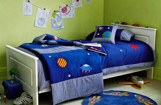 space-inspired-boys-room
