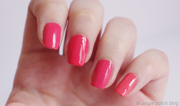 Essie-cute-as-a-button-dupe-kiko-360-catrice-meet-me-at-coral-island-3