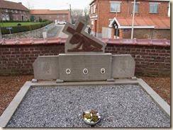 Horpmaal: grafsteen van de familie Robeijns-Hannosset (of Robeyns?)