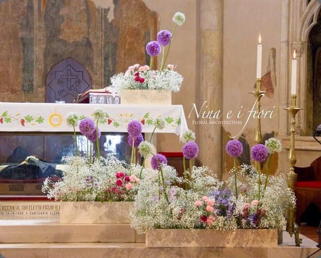 altar nina e i fiori 1451499_431500326951865_1559048257_n
