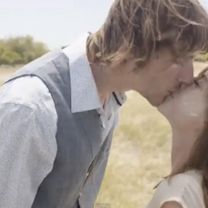 ¿Te acuerdas de tu primer beso?