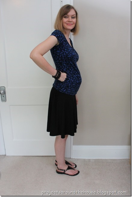 Black and Blue Maternity