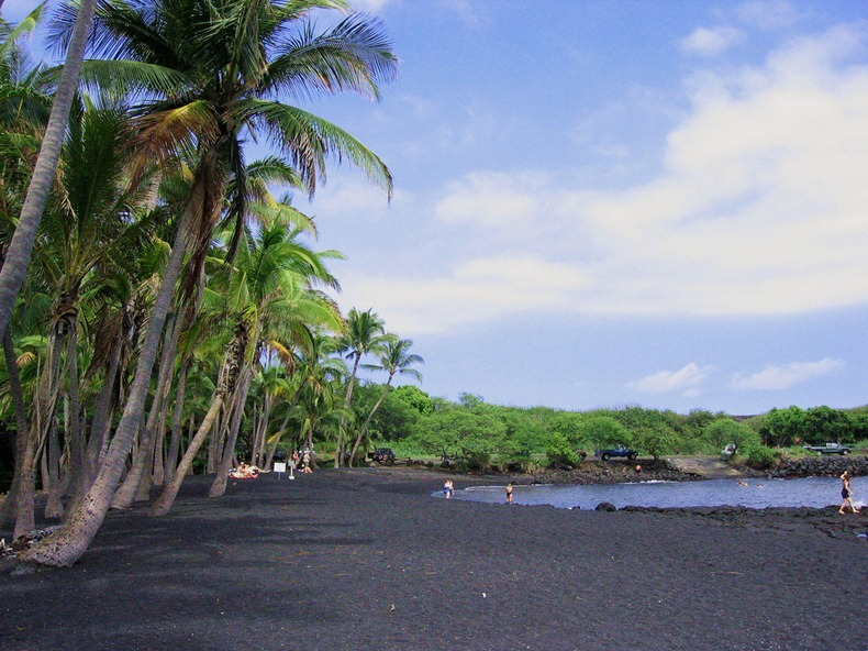 punaluu-black-beach-3
