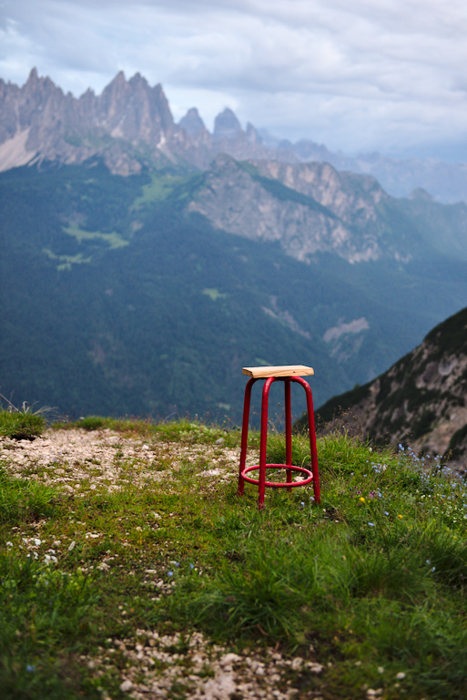 A minimalistic chair from the Musatti bivouac.