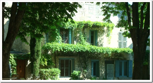 manors in provence