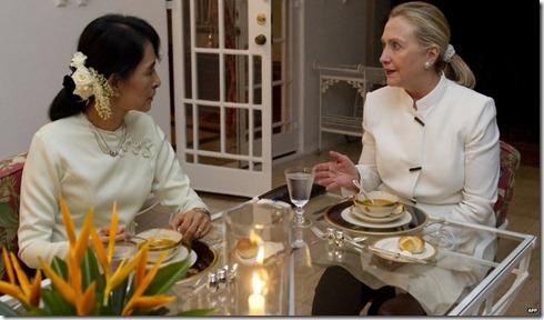 Hillary Clinton with Aung San Suu Kyi