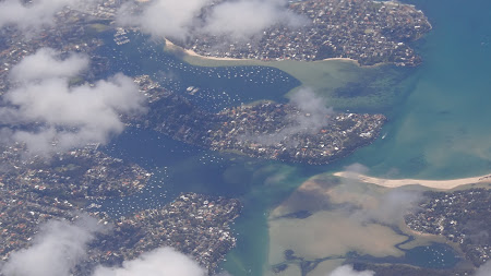 Imagini Australia: Suburbie Sydney vazuta din avion