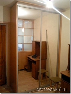 встроенный шкаф с крышей