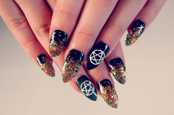 pentagram-nails_thumb2
