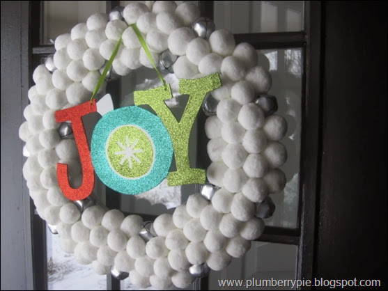 plumberry pie - embellish a wreath with words