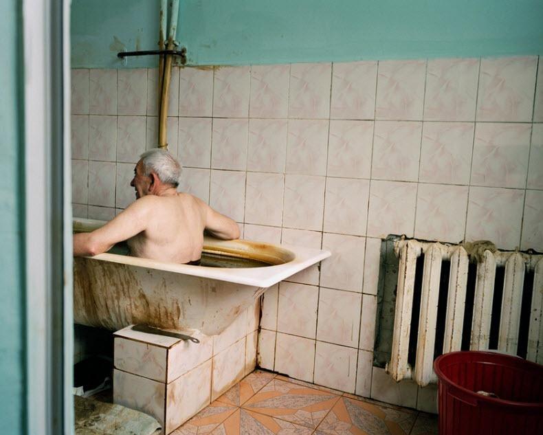 naftalan-crude-oil-baths-15