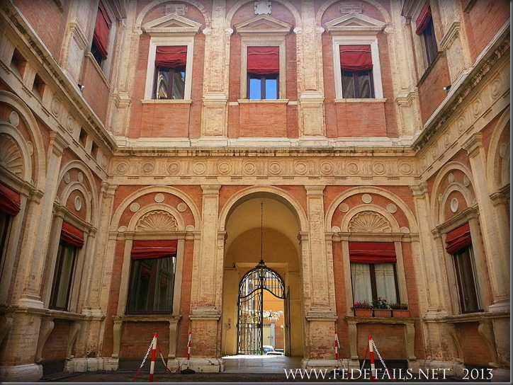 Palazzo Naselli-Crispi, Foto1, Ferrara, Emilia Romagna, Italia - PalaceNaselli-Crispi, photo1, Ferrara, Emilia Romagna, Italy - Property and Copyrights of FEdetails.net