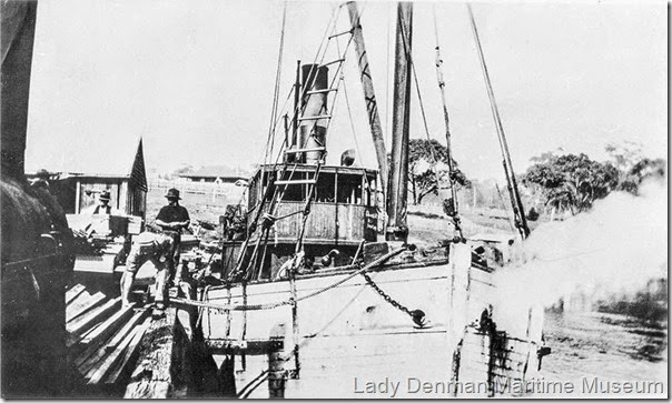 5-SS-Patonga-at-Huskisson-wharf-loading-timber