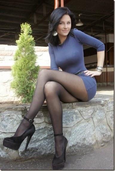 skin-tight-dresses-028