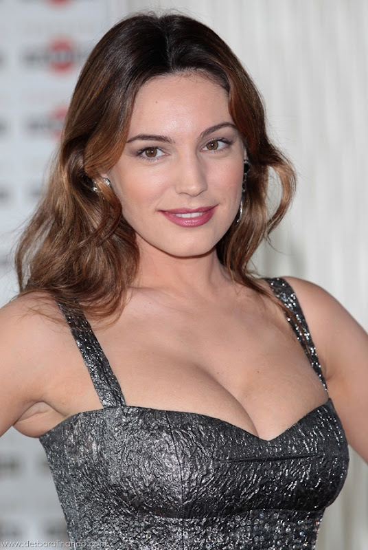 Kelly-Brooklinda-sensual-photoshoot-pics-boob-desbaratinando (53)