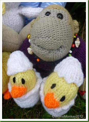 Knitted easter Ducklings