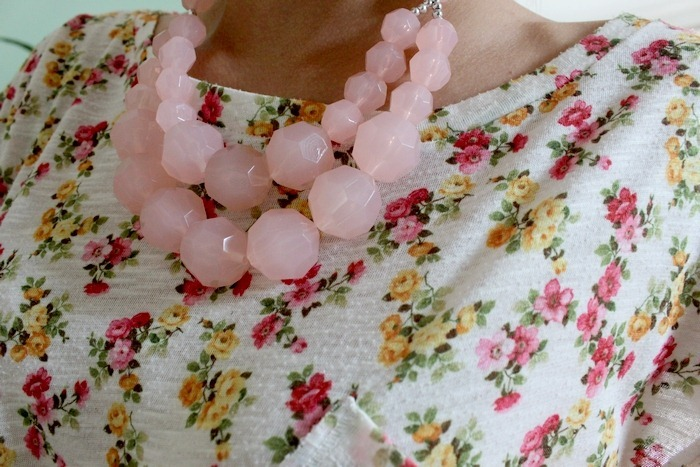 detail necklace