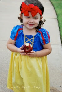 Snow White Halloween costume easy DIY