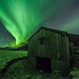 Old summer barn by Benny Høynes - Buildings & Architecture Other Exteriors ( summerbarn, auroraboreoalis, winter, auroras, green, meadow, norway, fields )