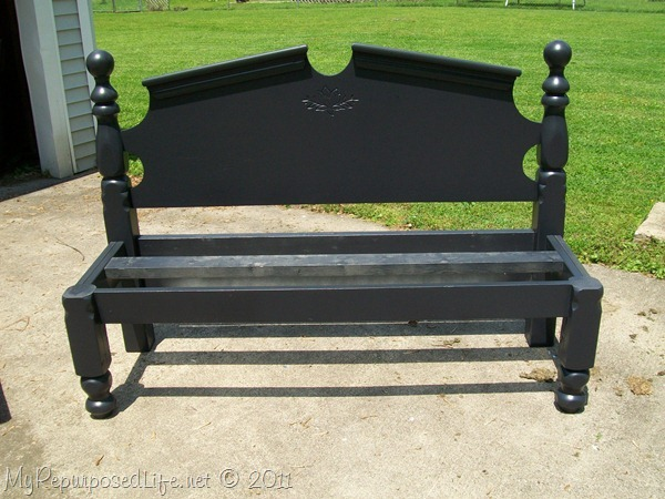 repurposed headboard into bench (11)