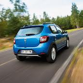 2013-Dacia-Sandero-Stepway-8.jpg