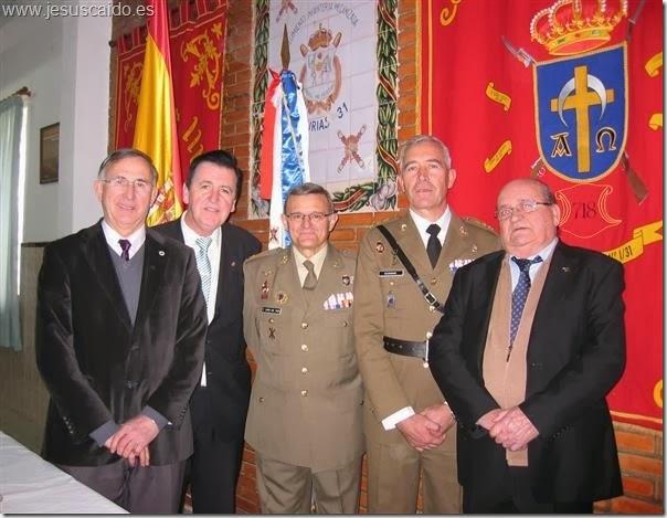 La comisión de nuestra Cofradía con el General del Pozo y el Coronel González Casado