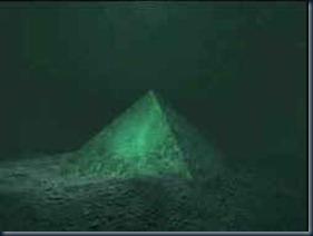 piramide de vidro triangulo bermudas