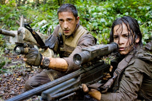 PRED-146?Royce (Adrien Brody) and Isabelle (Alice Braga) take aim during their desperate battle against the alien Predators.