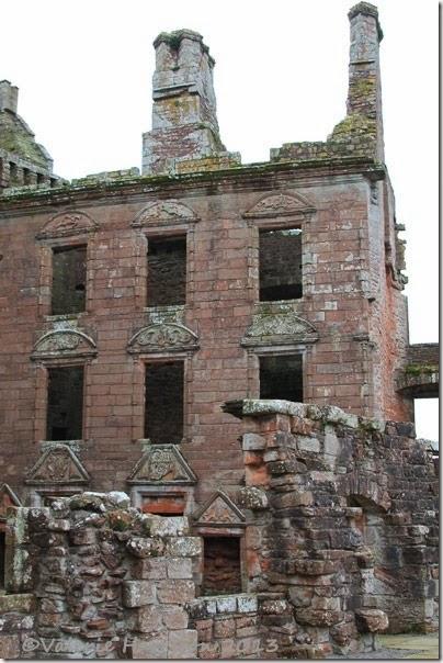 41-Caerlaverock-Castle