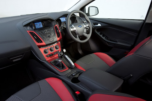 Ford-Focus-Zetec-S-03.jpg