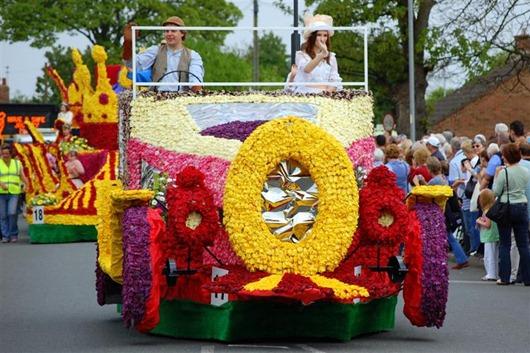 spaldingflowerparade