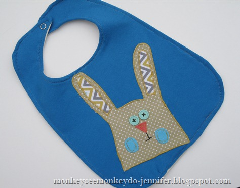 applique bunny bibs (6)