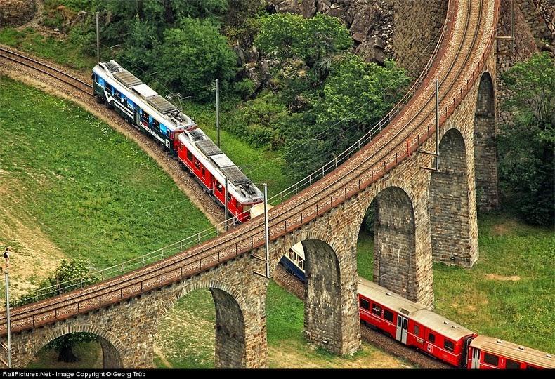 brusio-spiral-viaduct-11