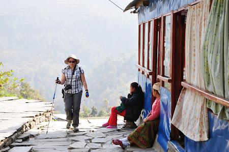 Trekking in Himalaya: Sate de munte din Nepal