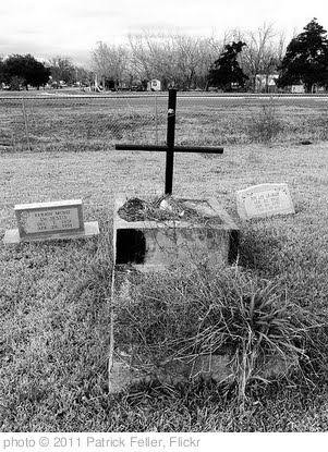 '1888 Pioneer Cemetery, Brazoria, Texas 0115111329BW' photo (c) 2011, Patrick Feller - license: http://creativecommons.org/licenses/by/2.0/