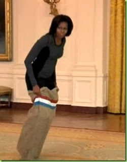 michelle-obama-invites-tv-host-jimmy-fallon-in-for-a-white-house-gym-session_ohase_8_thumb[6]
