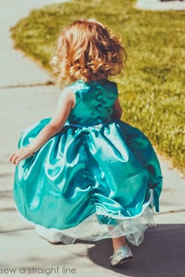 5 & 10 designs princess dress sew a straight line-8