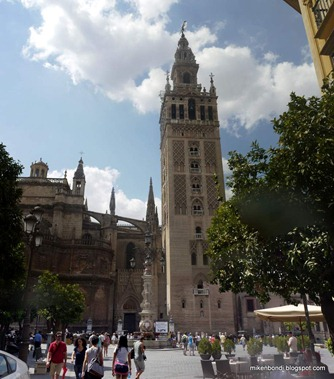 Seville cathedral jostles with Alcázar cathedral - The Giralda belltower