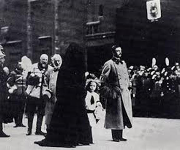 el funeral imperial de Francisco José, cuyas imágenes retratan al pequeño Archiduque Otto,