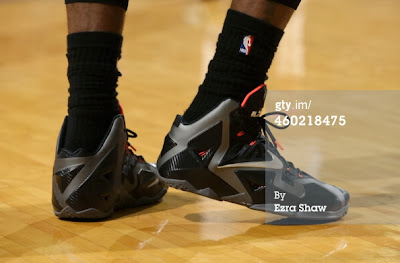 nike lebron 11 pe carbon miami nights 2 08 PE Spotlight: Nike LeBron XI Miami Nights Carbon PE