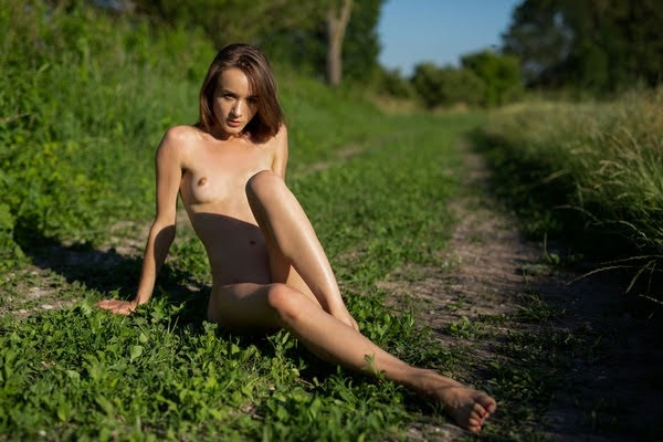 [Playboy Plus] Vi Shy - Stirring Fields