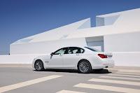 2013-BMW-7-Series-02.jpg