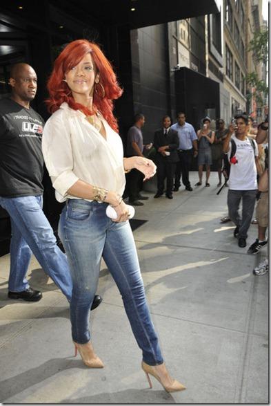 Rihanna Rihanna Photos 2011 New York City pWY3uso7T7Zl