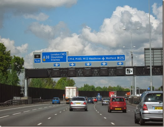 M25_Motorway_Clockwise__Approaching_Junction_13_For_A30_-_geograph_org_uk_-_1280479