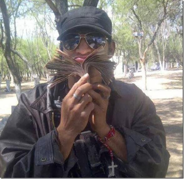 mexican-cartel-facebook-11