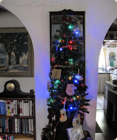 12-06-christmas-tree