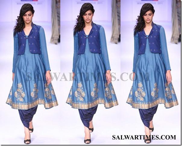 Harangad_Singh_Lakme_Fashion_Week_2011