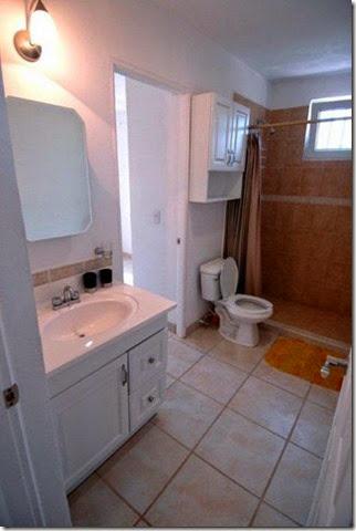 Condo Robert 1 Bathroom