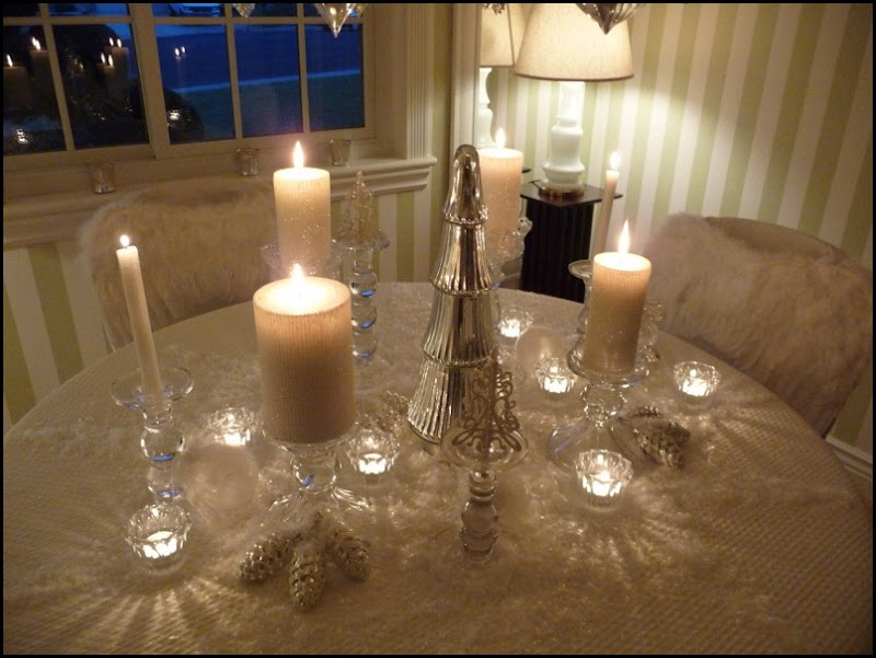 Christmas dining room 2011 angel wings 026 (800x600)