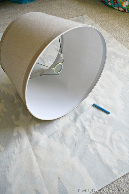 covering lamp shade with fabric